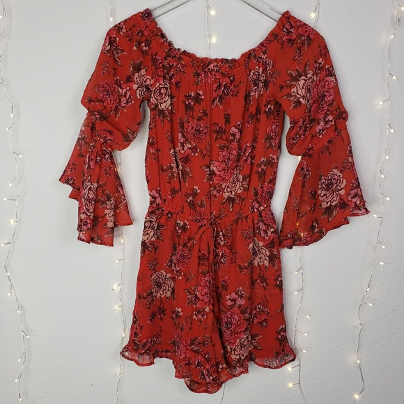50e93a7c7d14 American Eagle NWT Floral Long Sleeves Romper XS